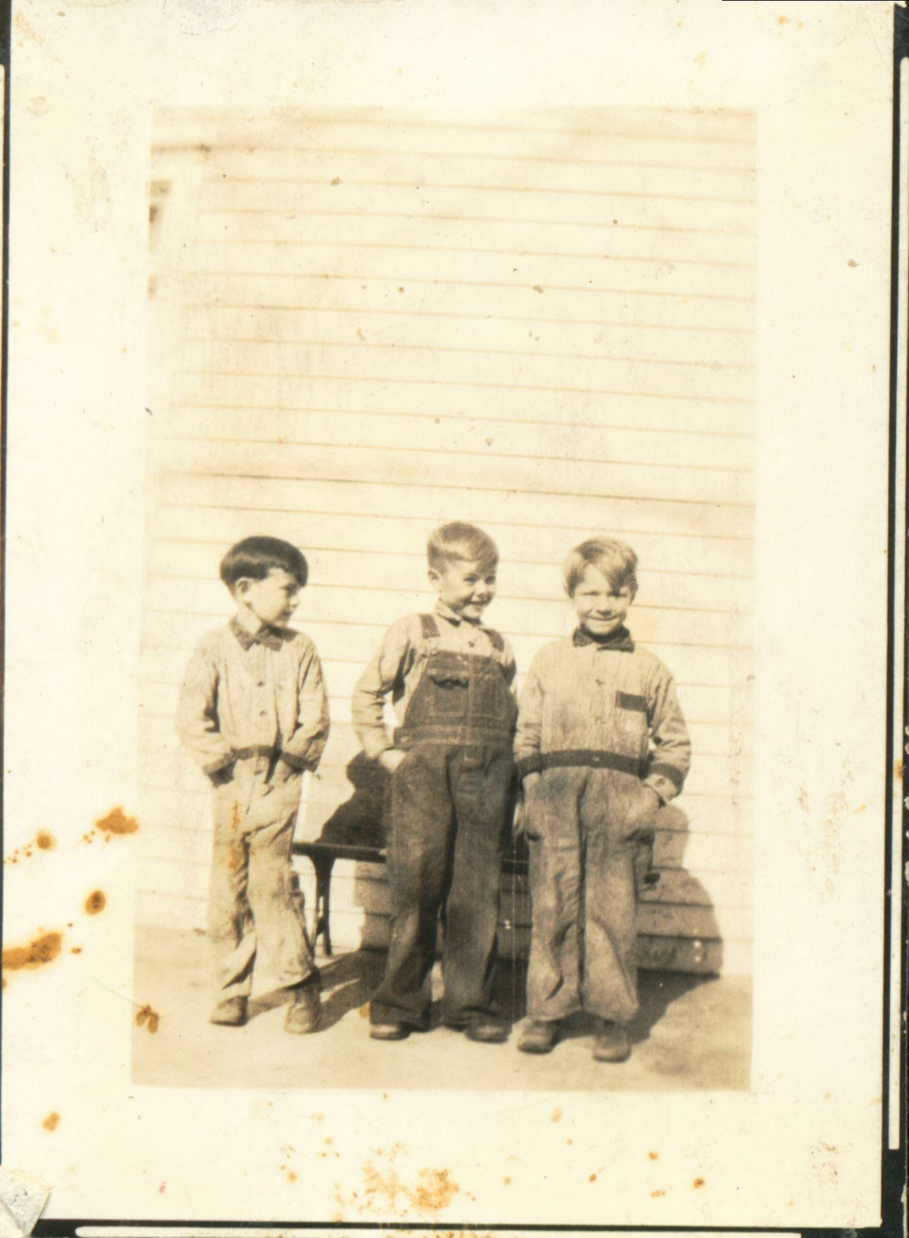 childhood photo with siblings